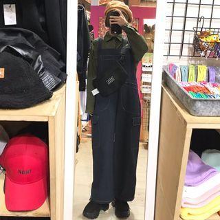 口袋造型中性襯衫/車線大口袋造型吊帶褲/英文刺繡中性側背包