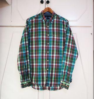 Authentic Tommy Hilfiger Plaid Button Down Long Sleeve Shirt