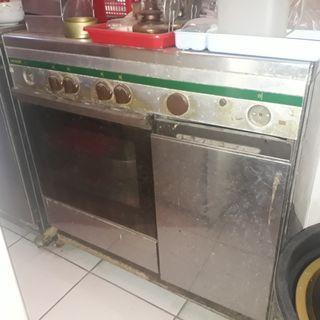 Ariston Oven Kompor