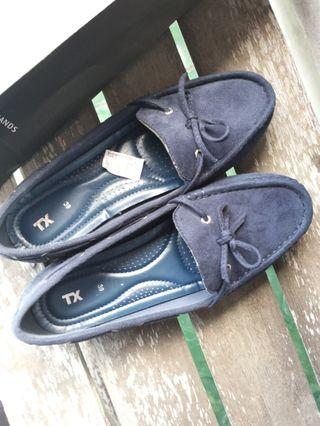 TX The Executive Flat Shoes Navy 39
