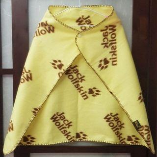 二手Jack Wolfskin輕柔保暖飛狼毛毯/冷氣毯/披肩/四季毯/薄毯