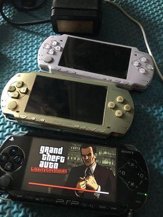 PSP 2000 dan 1000