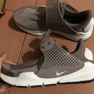 Nike襪套 . 編織運動鞋