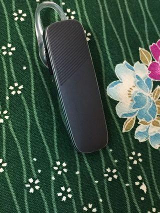 美國通訊耳機品牌繽特力 Plantronics|Explorer 500 藍牙耳機-黑色。九成新。原價2290上。出價前請先參看我的賣場交易付款方式,感謝!