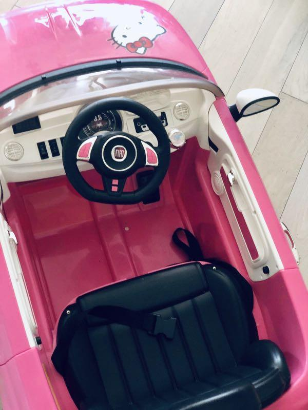 FIAT HELLO KITTY MACHINE TOY CAR