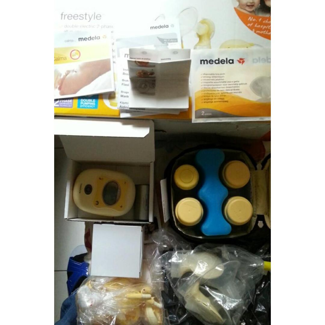 Medela Freestyle Breast pump / gently used