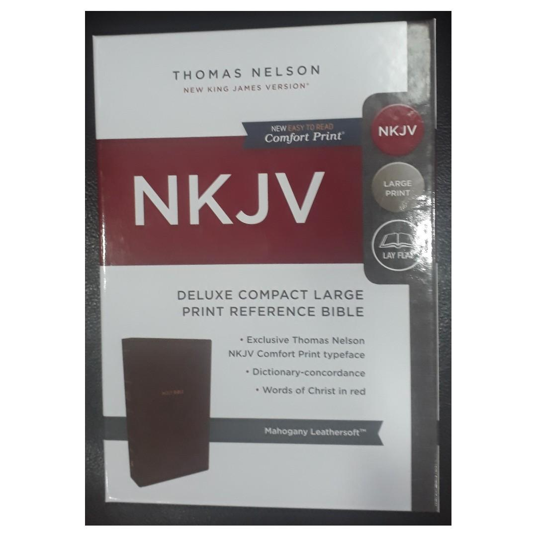 Thomas Nelson NKJV Deluxe Compact Large Print Reference Bible (Mahogany Leathersoft)