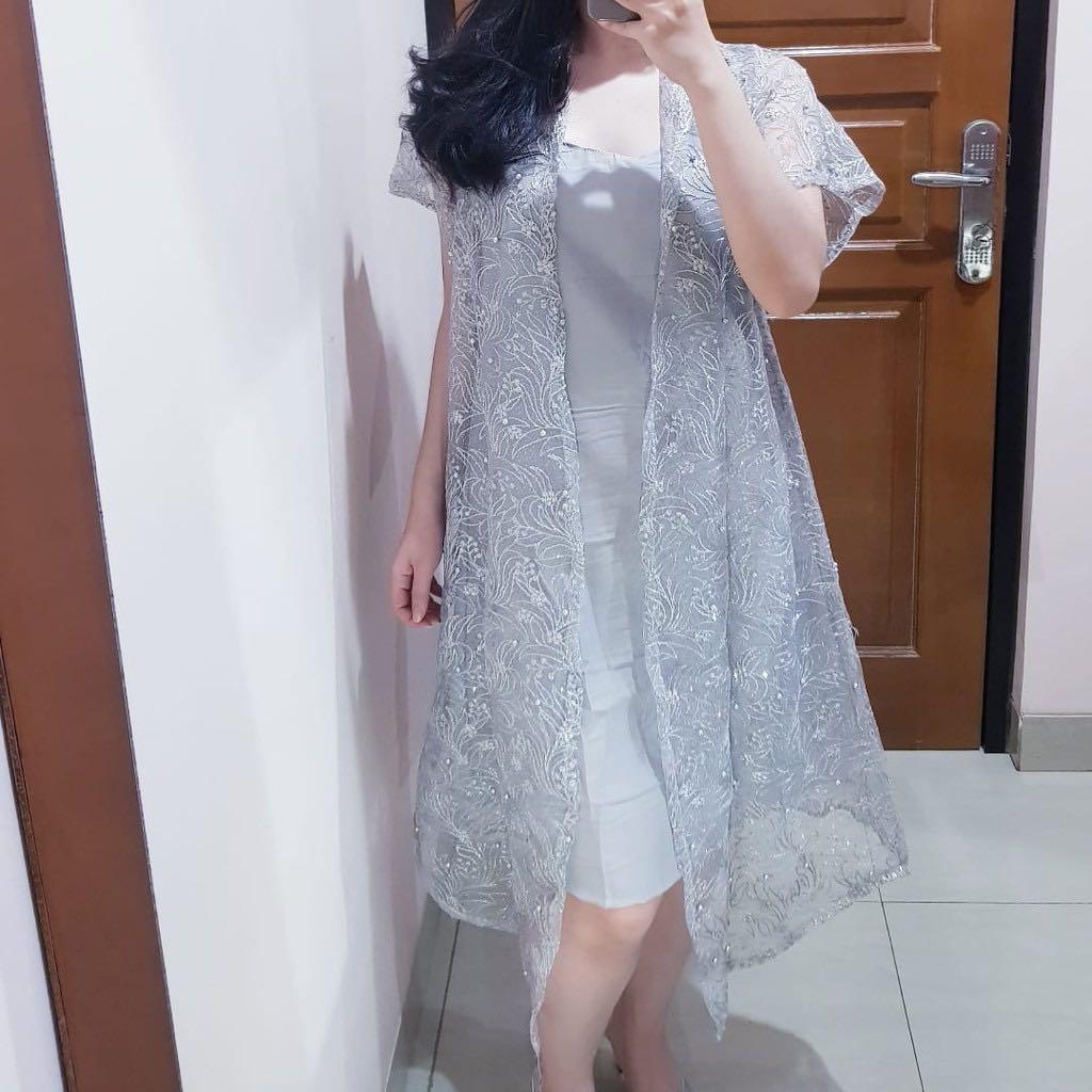 tile set dress