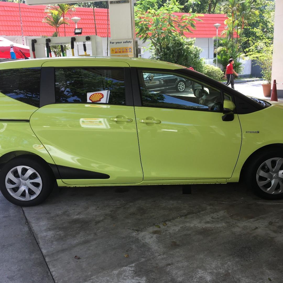 Toyota Sienta Hybrid (for rent)
