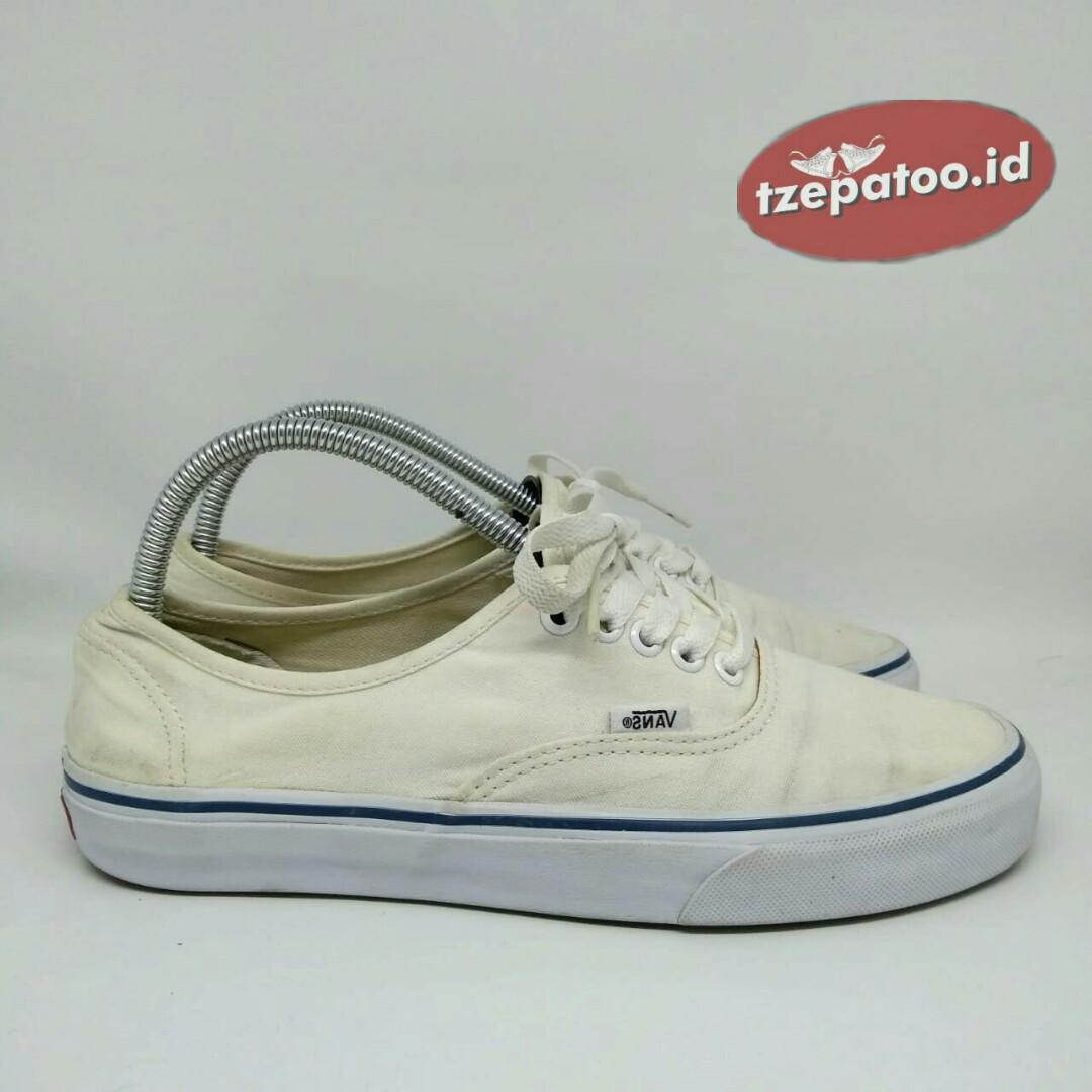 Vans Authentic White Sepatu