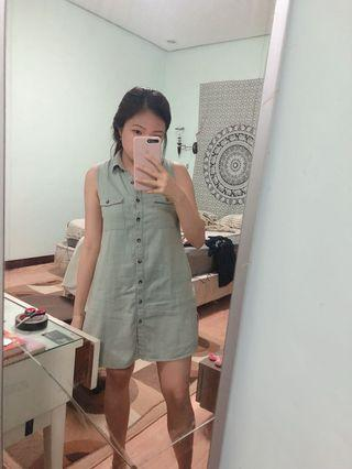 Colorbox Button Dress