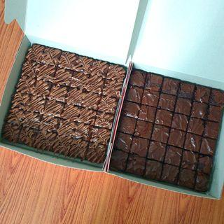 Plain brownies & brownies nutella topping