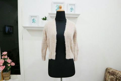 Outer knitwear