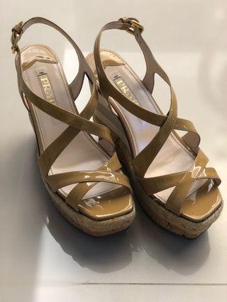 Prada 高跟鞋
