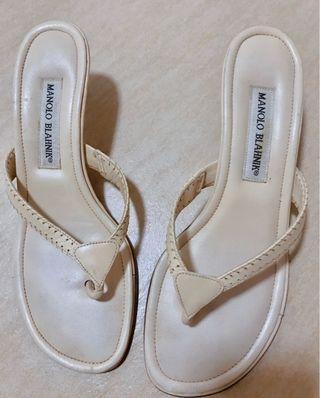 Manolo Blahnik casual kitten heels