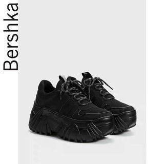 Bershka女鞋 2019新款松糕鞋黑色厚底休閒運動老爹鞋 15270031040