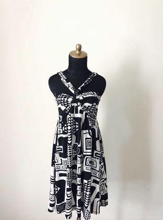 SD II Unique Geometric Print Crisscross Dress.