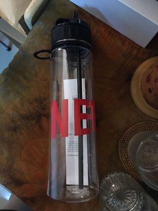 Netflix全新大容量水瓶