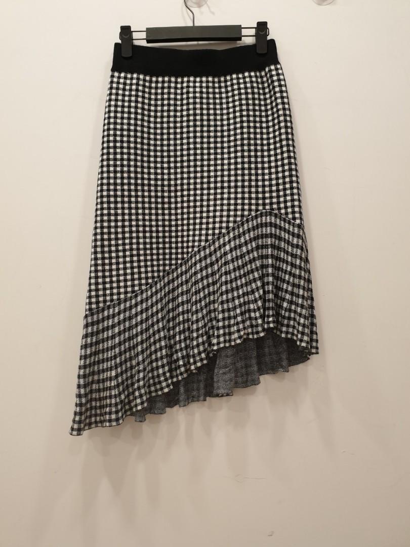 彈力修身斜襬鬆緊腰格紋針織魚尾裙 ~ 鬆緊腰波浪邊及膝魚尾裙