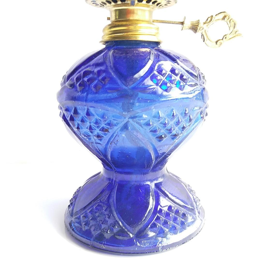 (香港製造!) 超過半世紀香港手製藍色古董玻璃油燈 / (Made in Hong Kong!) More Than Half A Century Old Hong Kong Hand Made Blue Antique Glass Oil Lamp
