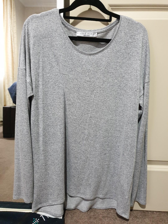 Decjuba Grey think knit - Size M