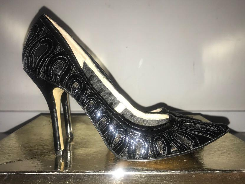 Enzo Angiolini black patent leather lace size 7 heels