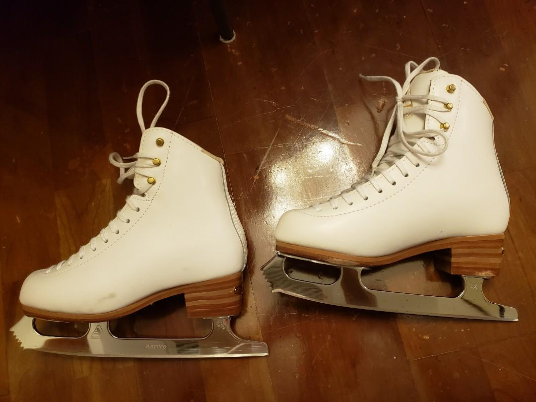 Ice skating shoes