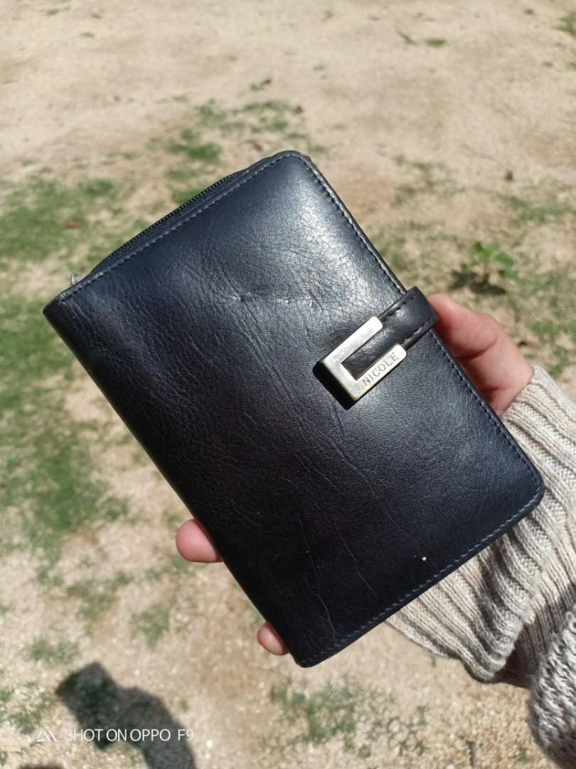 Nicole st giles wallet