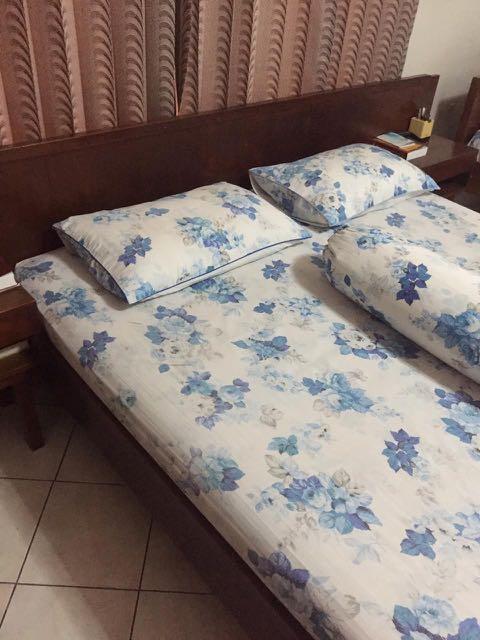 Tempat Tidur dan Bed Side Table (Kayu Jati)