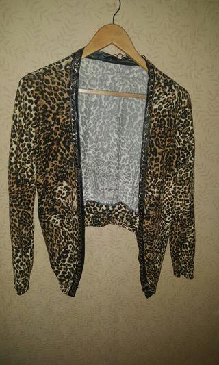#visitsingapore  Leopard chain cardigan