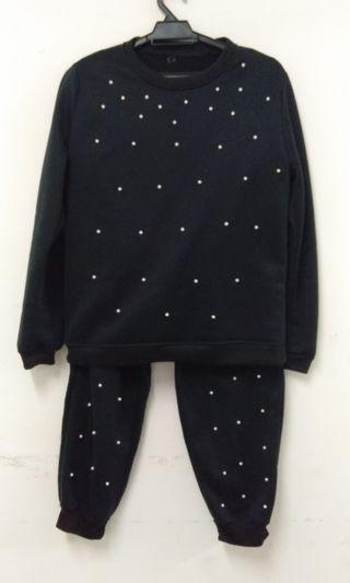 Sweat shirt and trousers