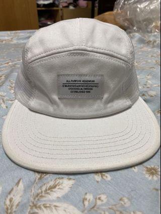 Wesc百搭白色五分割帽