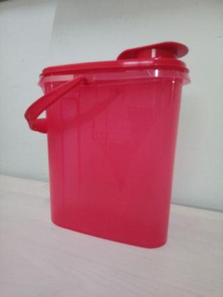 Tupperware Red Beverage Buddy Pitcher Jug Fridge 1.9L