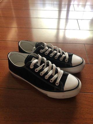 Shoopen 帆布鞋 非常新 布鞋
