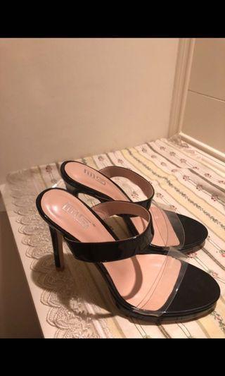 韓版黑色透明帶高跟鞋  這是全新的喔