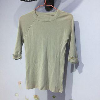 Simple grey knit top h/sleeve