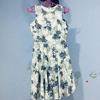 White grey floral dress (good quality)