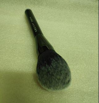 MARC JACOBS (THE BRONZE No.12 brush)
