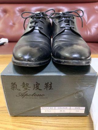 39號皮鞋