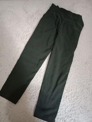 Celana panjang hijau army