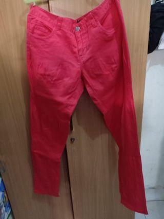 celana merah wanita panjang