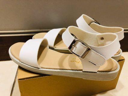 百搭舒適涼鞋 尺寸37