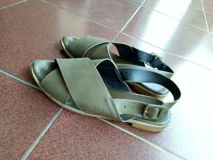 Berrybenka sandals