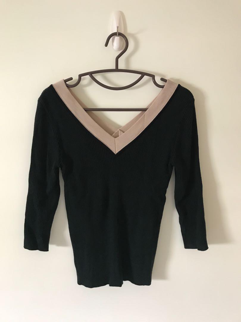 正韓 v領針織衣+卡其裙