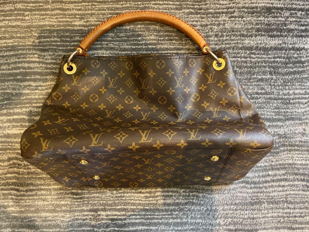 Authentic Louis Vuitton Artsy MM Monogram Bag /Purse