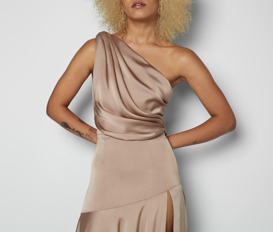 BNWT FAME & PARTNERS GOLD LAYLITA GOWN - SIZE 4 AU (RRP $365)