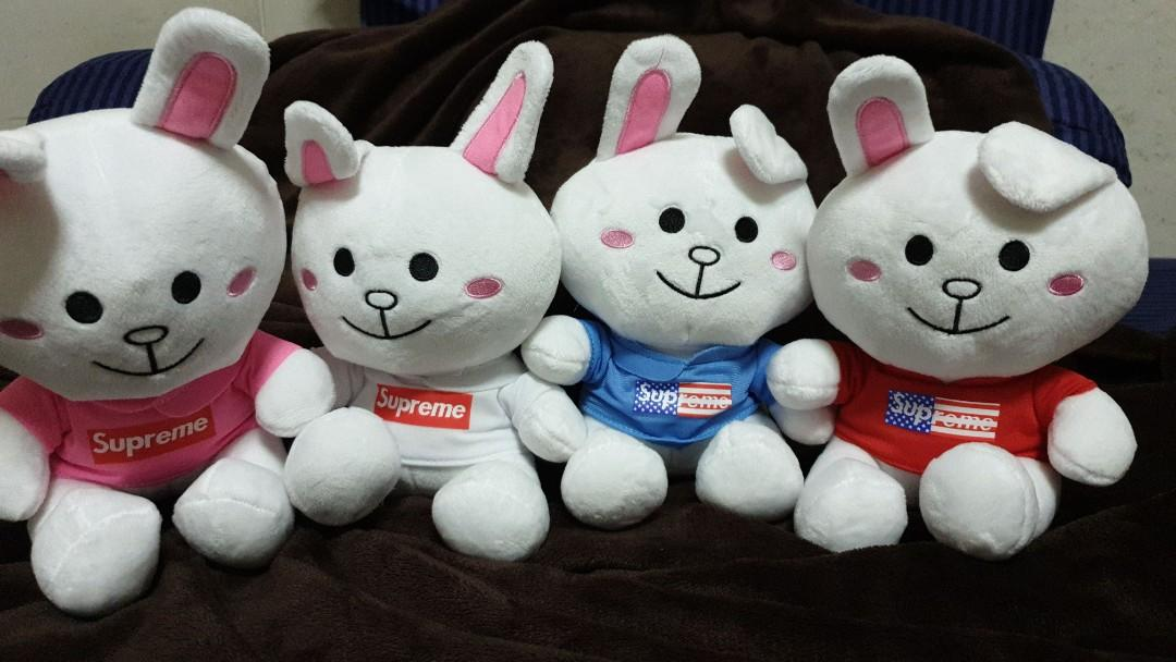 Cony with supreme shirt full set