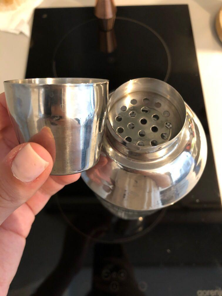 Glass cocktail shaker