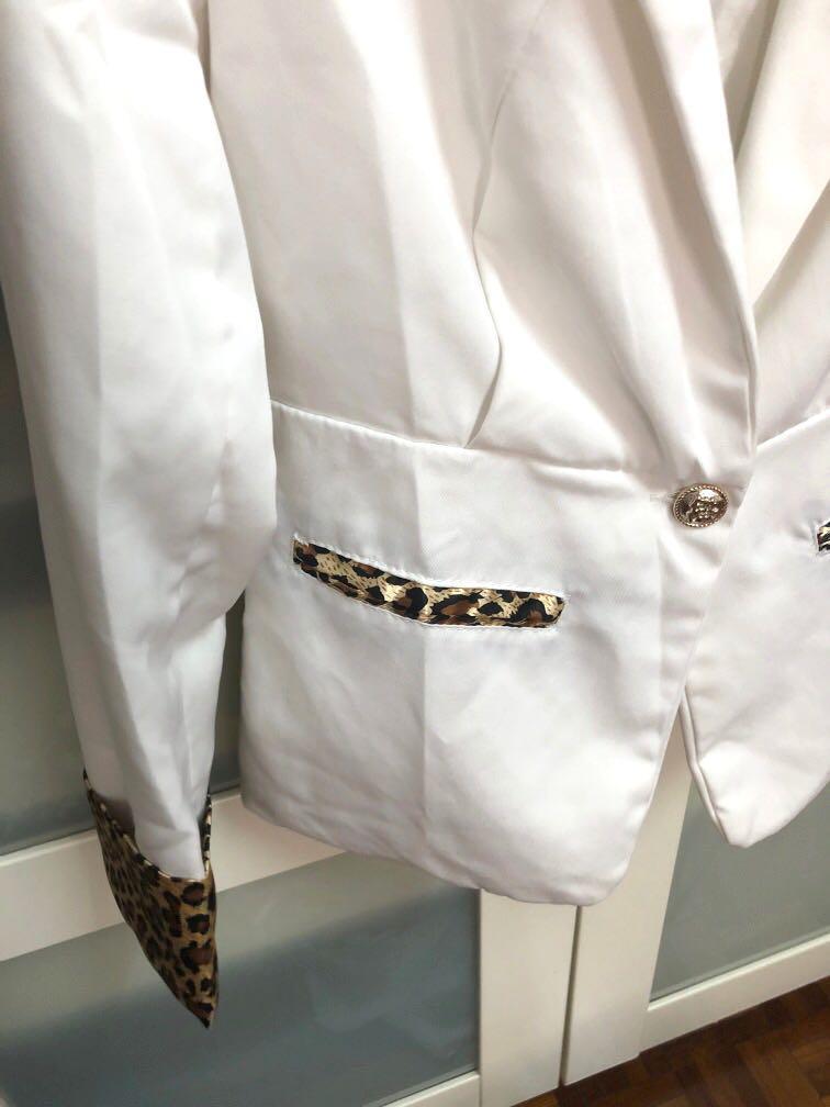 Leopard Print White Coat / Blazer
