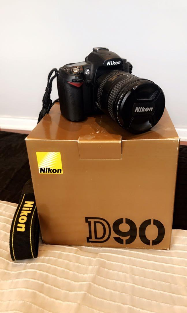 Nikon D90 + AFS Nikkor 18-200mm Lens + Bag + Lots Of Accessories